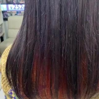大人かわいい インナーカラー アンニュイほつれヘア 外国人風 ヘアスタイルや髪型の写真・画像