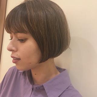 ブリーチカラー ナチュラル ミニボブ アッシュグレー ヘアスタイルや髪型の写真・画像