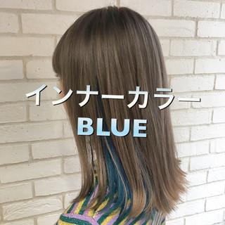 フェミニン セミロング ブリーチ インナーカラー ヘアスタイルや髪型の写真・画像
