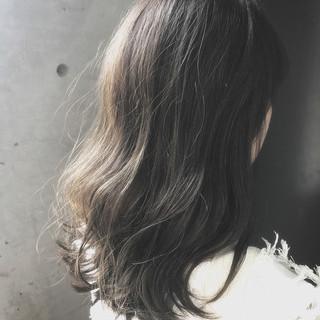 ミディアム 艶髪 フェミニン 大人かわいい ヘアスタイルや髪型の写真・画像 ヘアスタイルや髪型の写真・画像
