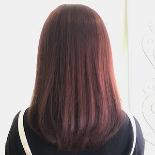 フェミニン ミディアム ナチュラル ピンク ヘアスタイルや髪型の写真・画像