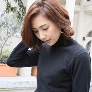 色気 抜け感 外ハネ アンニュイ ヘアスタイルや髪型の写真・画像