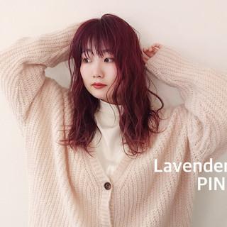 ミディアム ストリート ダブルカラー ラベンダーピンク ヘアスタイルや髪型の写真・画像