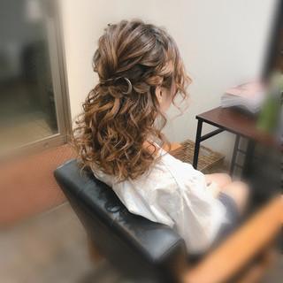 ヘアセット フェミニン 編み込みヘア 結婚式 ヘアスタイルや髪型の写真・画像