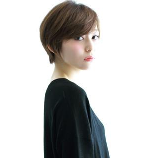 ショート 小顔 オフィス 外国人風 ヘアスタイルや髪型の写真・画像