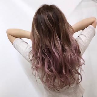 ロング ハイトーン ギャル ピンク ヘアスタイルや髪型の写真・画像