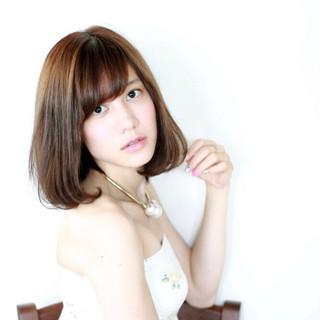 外国人風 前髪あり 色気 ボブ ヘアスタイルや髪型の写真・画像