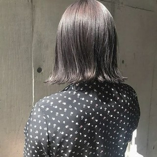 グレージュ ラベンダーアッシュ 外国人風 透明感 ヘアスタイルや髪型の写真・画像
