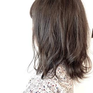 透明感カラー 簡単スタイリング グレージュ フェミニン ヘアスタイルや髪型の写真・画像
