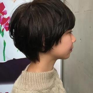 ショート 耳かけ ボブ 艶髪 ヘアスタイルや髪型の写真・画像 ヘアスタイルや髪型の写真・画像