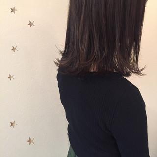 ミディアム ストリート アッシュ ボブ ヘアスタイルや髪型の写真・画像
