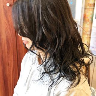 アッシュ エレガント アッシュグレージュ セミロング ヘアスタイルや髪型の写真・画像