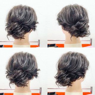 簡単ヘアアレンジ ミディアム フェミニン アウトドア ヘアスタイルや髪型の写真・画像
