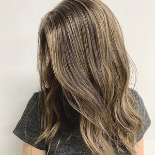 セミロング ハイライト コントラストハイライト ガーリー ヘアスタイルや髪型の写真・画像