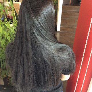 アッシュ アッシュグレー グレーアッシュ インナーカラー ヘアスタイルや髪型の写真・画像