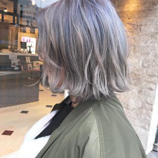 ストリート アンニュイ 外国人風カラー ウェーブ ヘアスタイルや髪型の写真・画像
