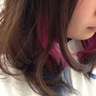 ダブルカラー ミディアム インナーカラー お洒落 ヘアスタイルや髪型の写真・画像
