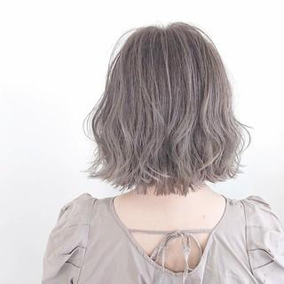 ヘアカラー 切りっぱなしボブ ガーリー グレージュ ヘアスタイルや髪型の写真・画像
