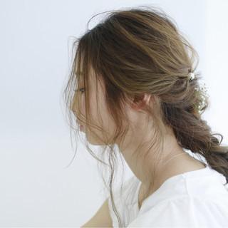 簡単ヘアアレンジ セミロング フェミニン ルーズ ヘアスタイルや髪型の写真・画像