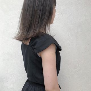 切りっぱなしボブ ナチュラル インナーカラー ミディアム ヘアスタイルや髪型の写真・画像