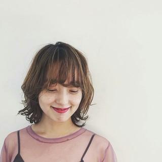 外国人風 モード レイヤーカット ミディアム ヘアスタイルや髪型の写真・画像