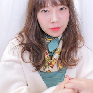 アンニュイほつれヘア モテ髪 ロング ナチュラル ヘアスタイルや髪型の写真・画像
