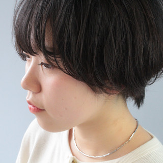 ナチュラル 小顔ショート ショートバング ショート ヘアスタイルや髪型の写真・画像