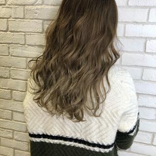 セミロング グラデーションカラー デート ウェーブ ヘアスタイルや髪型の写真・画像