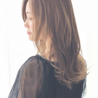 秋 エフォートレス 透明感 セミロング ヘアスタイルや髪型の写真・画像