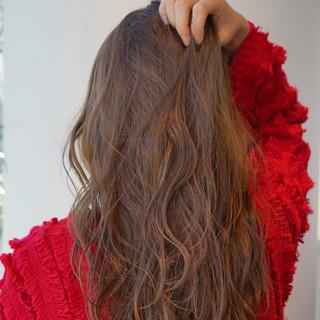 透明感カラー 大人かわいい アッシュベージュ ロング ヘアスタイルや髪型の写真・画像