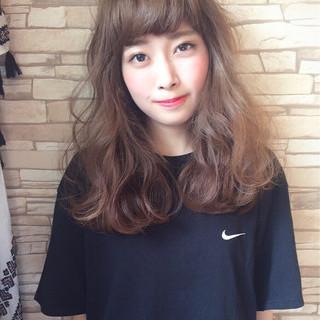 外国人風 フェミニン ゆるふわ 前髪あり ヘアスタイルや髪型の写真・画像