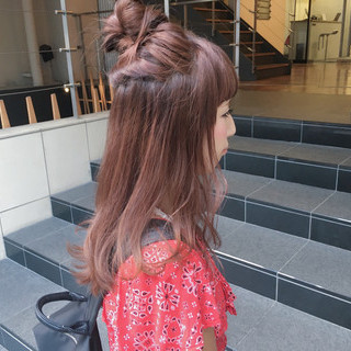 セミロング イルミナカラー 透明感 ストリート ヘアスタイルや髪型の写真・画像