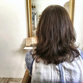 ゆるふわ ウェーブ ナチュラル パーマ ヘアスタイルや髪型の写真・画像