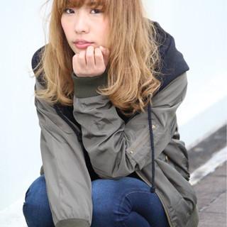 セミロング グラデーションカラー ボブ 外国人風 ヘアスタイルや髪型の写真・画像