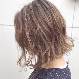 パーマ デート アンニュイほつれヘア ボブ ヘアスタイルや髪型の写真・画像