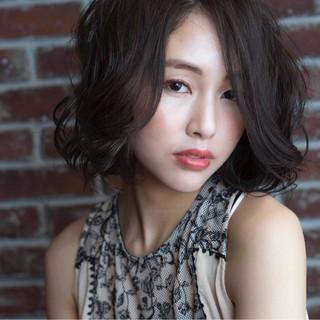 ナチュラル 暗髪 大人かわいい 外国人風 ヘアスタイルや髪型の写真・画像