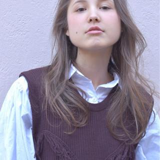 ブラウン ガーリー フリンジバング ミルクティー ヘアスタイルや髪型の写真・画像