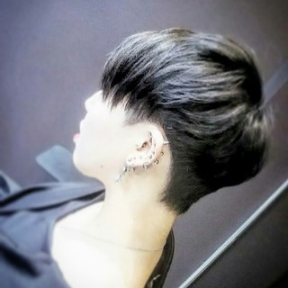 ショート ブリーチ 黒髪 外国人風 ヘアスタイルや髪型の写真・画像