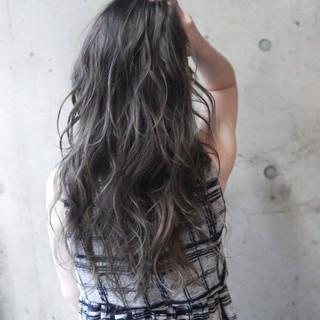 ロング ブラウン 外国人風 ストリート ヘアスタイルや髪型の写真・画像