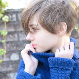 モード ショート 外国人風 アウトドア ヘアスタイルや髪型の写真・画像 ヘアスタイルや髪型の写真・画像