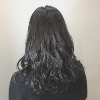 フェミニン デジタルパーマ 外国人風カラー セミロング ヘアスタイルや髪型の写真・画像