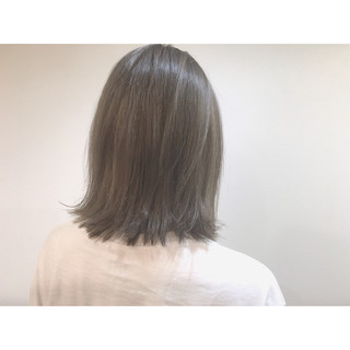 ダブルカラー ブルージュ ミディアム 前髪あり ヘアスタイルや髪型の写真・画像