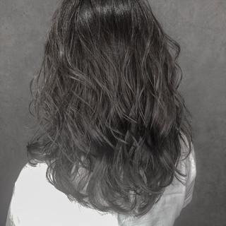 グラデーションカラー ナチュラル セミロング ミルクティーベージュ ヘアスタイルや髪型の写真・画像