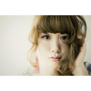 外国人風 グレージュ ガーリー ゆるふわ ヘアスタイルや髪型の写真・画像
