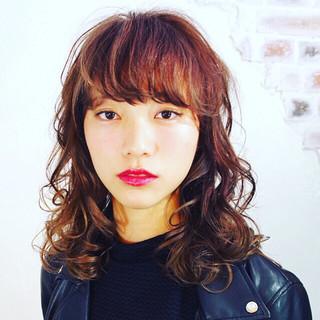 前髪あり ワイドバング パーマ ピュア ヘアスタイルや髪型の写真・画像