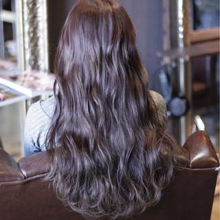 ストリート ウェーブ 暗髪 アッシュ ヘアスタイルや髪型の写真・画像