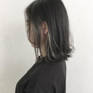 外ハネ ロブ グレージュ ブリーチ ヘアスタイルや髪型の写真・画像