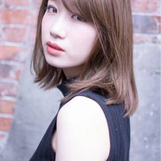 ナチュラル グレージュ フェミニン モテ髪 ヘアスタイルや髪型の写真・画像 ヘアスタイルや髪型の写真・画像