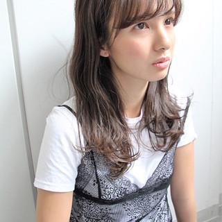 セミロング フェミニン ゆるふわ アッシュ ヘアスタイルや髪型の写真・画像