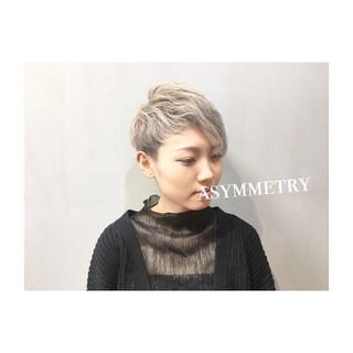 ウルフカット アッシュ ショート 透明感 ヘアスタイルや髪型の写真・画像